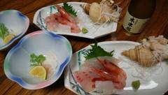 地魚のお刺身も魅力です。