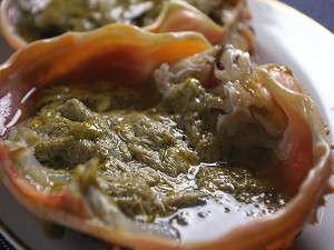 カニ味噌は絶品です★熱燗を注げば・・GOODです。お雑炊にトッピングもGOODです。